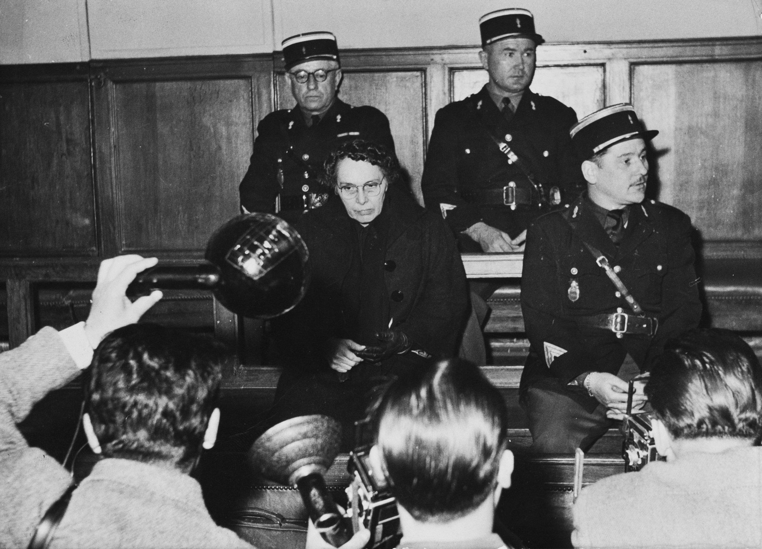Мари Беснар в съда